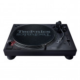 Technics SL 1210 MK7 Direct Drive DJ Turntable